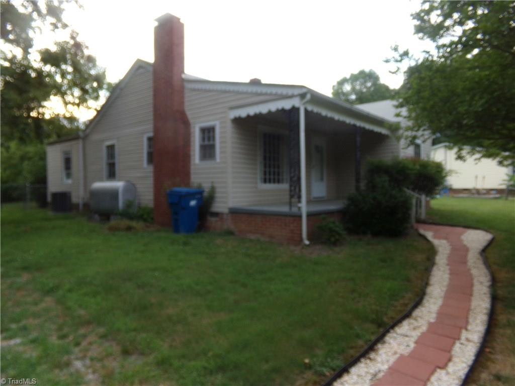 321 York Lane, Franklinville, North Carolina 27248, 2 Bedrooms Bedrooms, 6 Rooms Rooms,Residential,For Sale Triad MLS,York,935851