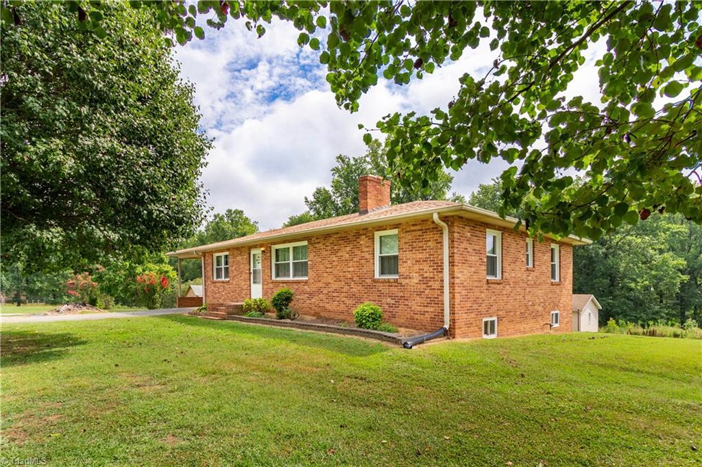 Property for sale at 2569 Bethel Church Road, Kernersville,  North Carolina 27284