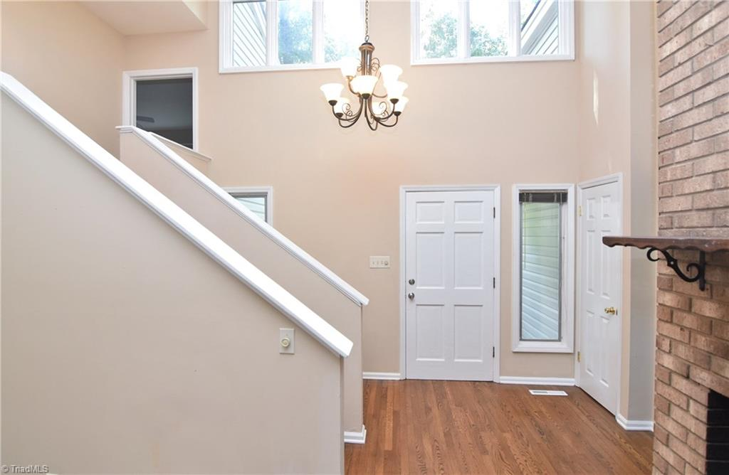 Thumbnail for property 943399 - 4