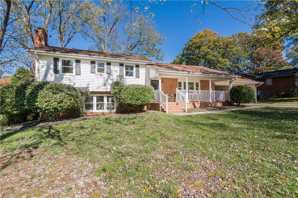 909 Meade Drive, Greensboro, North Carolina 27410, 4 Bedrooms Bedrooms, 8 Rooms Rooms,Residential,For Sale Triad MLS,Meade,957038