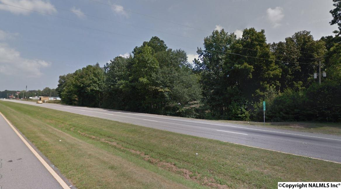 Photo of home for sale at US Hwy 231, Arab AL