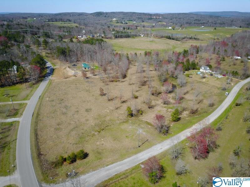 Photo of home for sale at 4 Hunter Trail, Trenton GA
