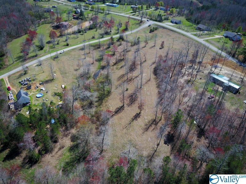 Photo of home for sale at 5 Hunter Trail, Trenton GA