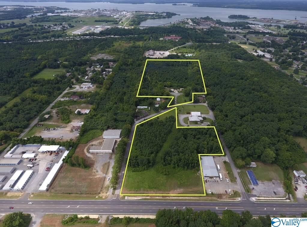 Photo of home for sale at 1241 Nelms Road, Decatur AL