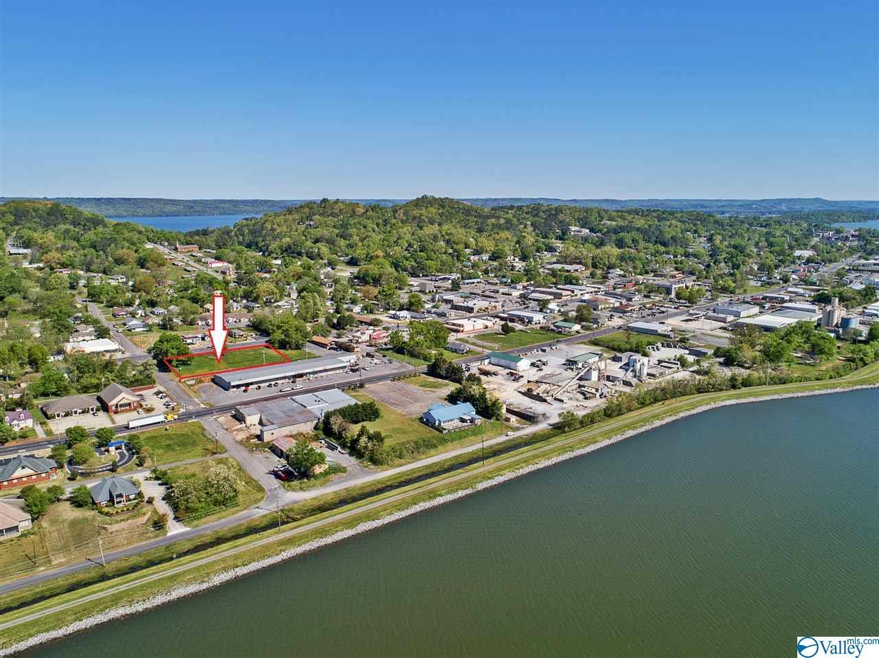 Photo of home for sale at 0 Gunter Avenue, Guntersville AL