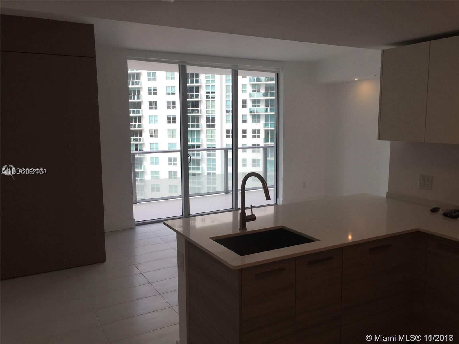 1300 BRICKELL BAY DR #1711 photo03