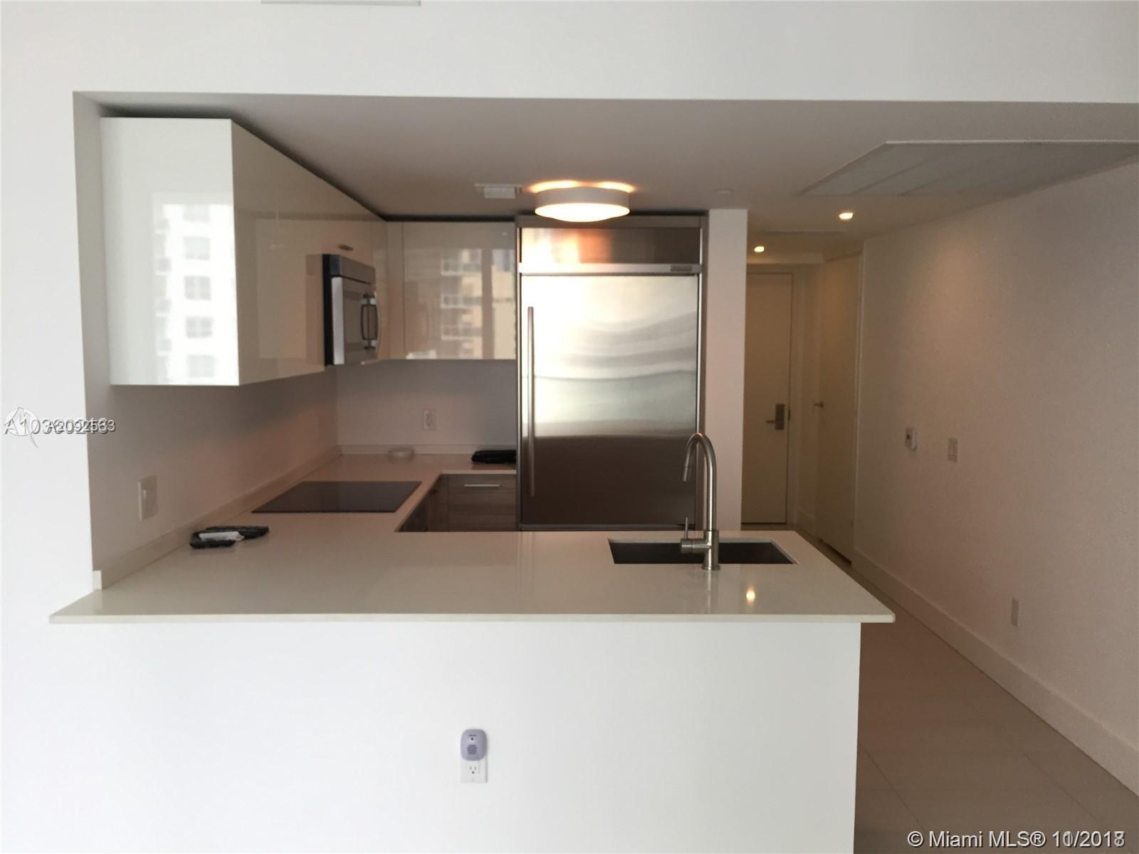 1300 BRICKELL BAY DR #1711 photo04