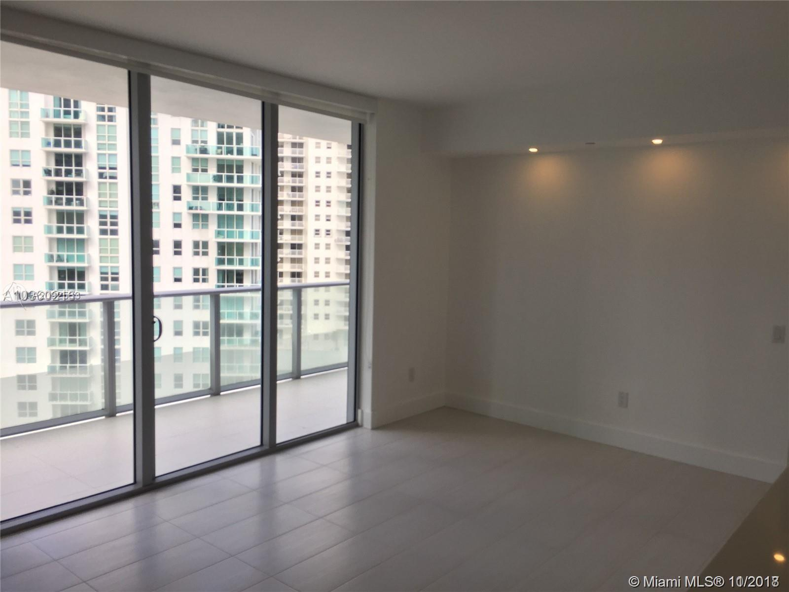 1300 BRICKELL BAY DR #1711 photo08