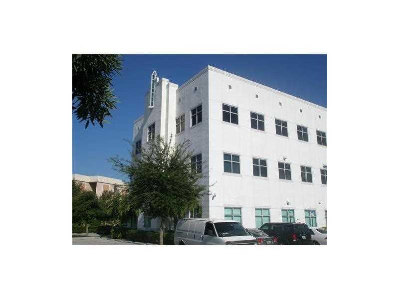 18300 NW 62 AV # 220, Miami, Florida 33015, ,Commercial Sale,For Sale,18300 NW 62 AV # 220,A2202717