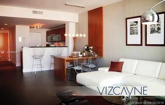 Vizcayne #2205 - 03 - photo