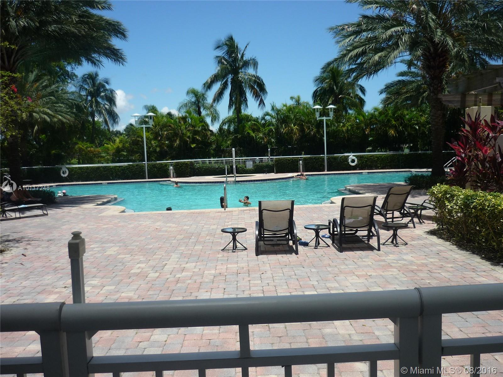 Duo Hallandale #905E photo16