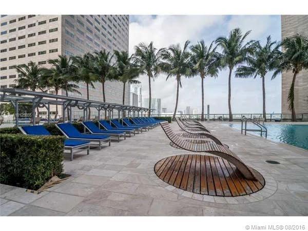 One Miami #2915 photo17