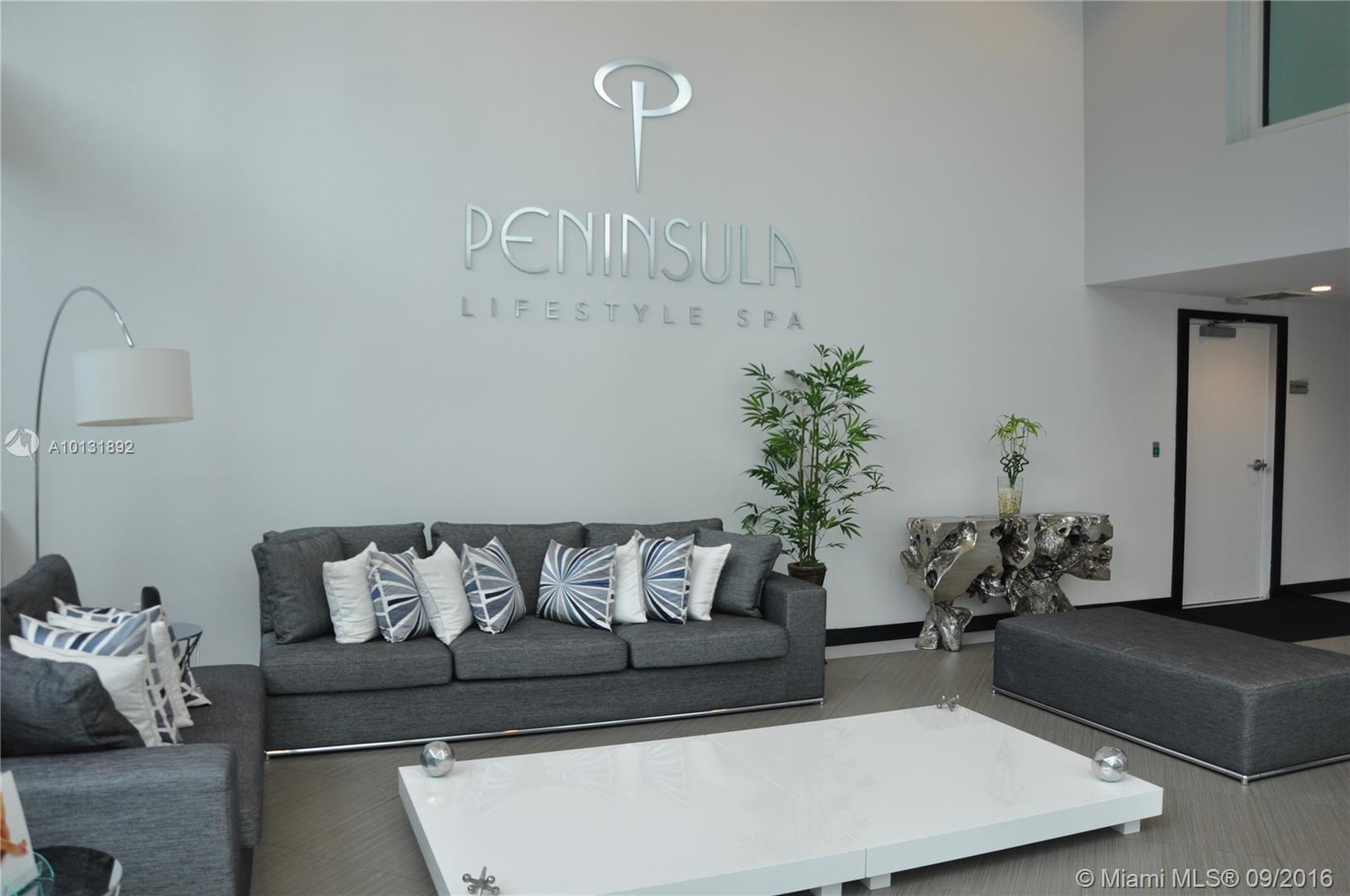 Peninsula #704 photo03