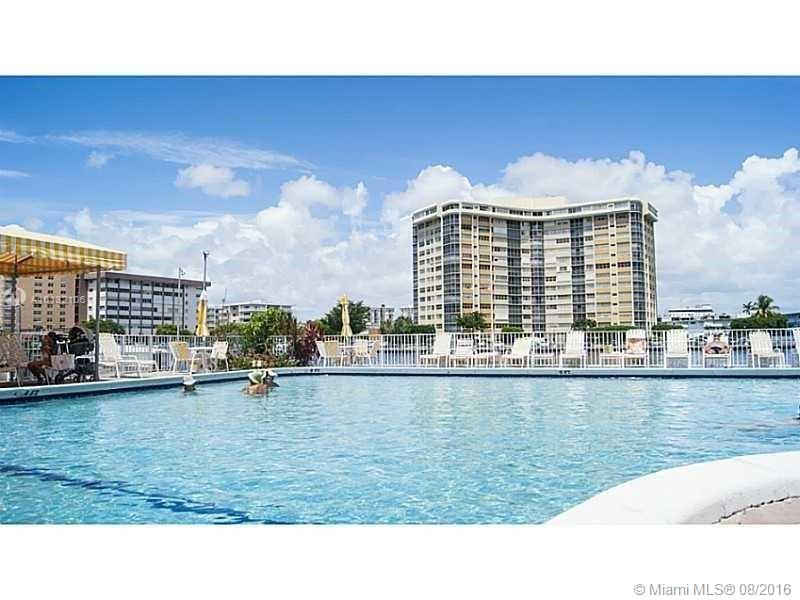 Plaza Towers #905 photo01
