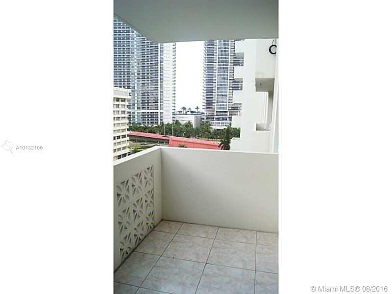 Plaza Towers #905 photo14