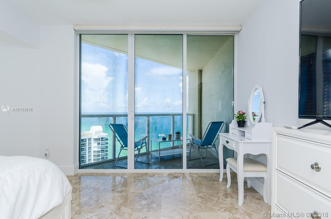 16699 Collins Ave #3506 photo019