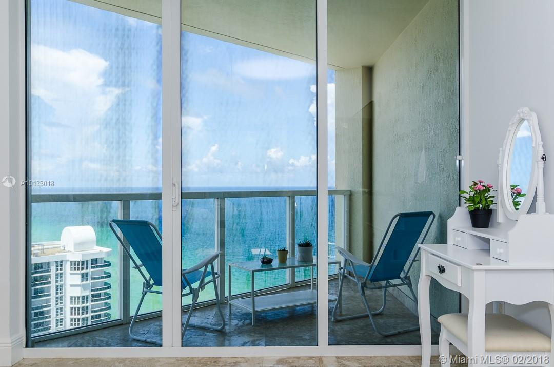 16699 Collins Ave #3506 photo02