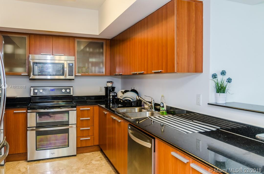 16699 Collins Ave #3506 photo023
