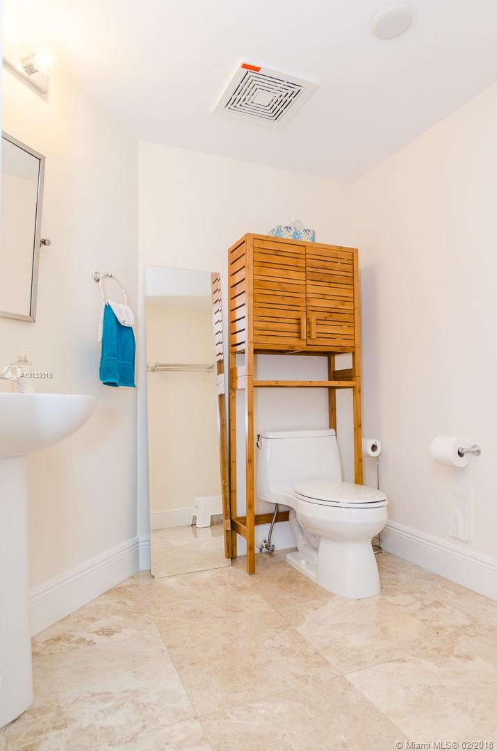 16699 Collins Ave #3506 photo027
