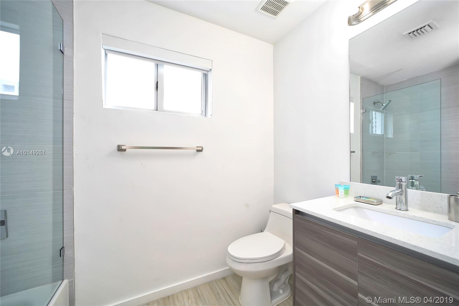 Property 481 NE NE 29th St #504 image 31