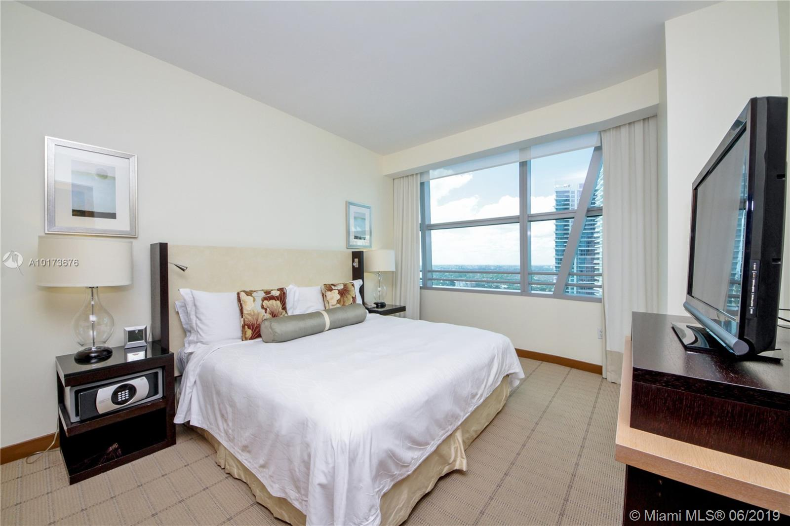 Property 1395 Brickell Ave #2805 image 10