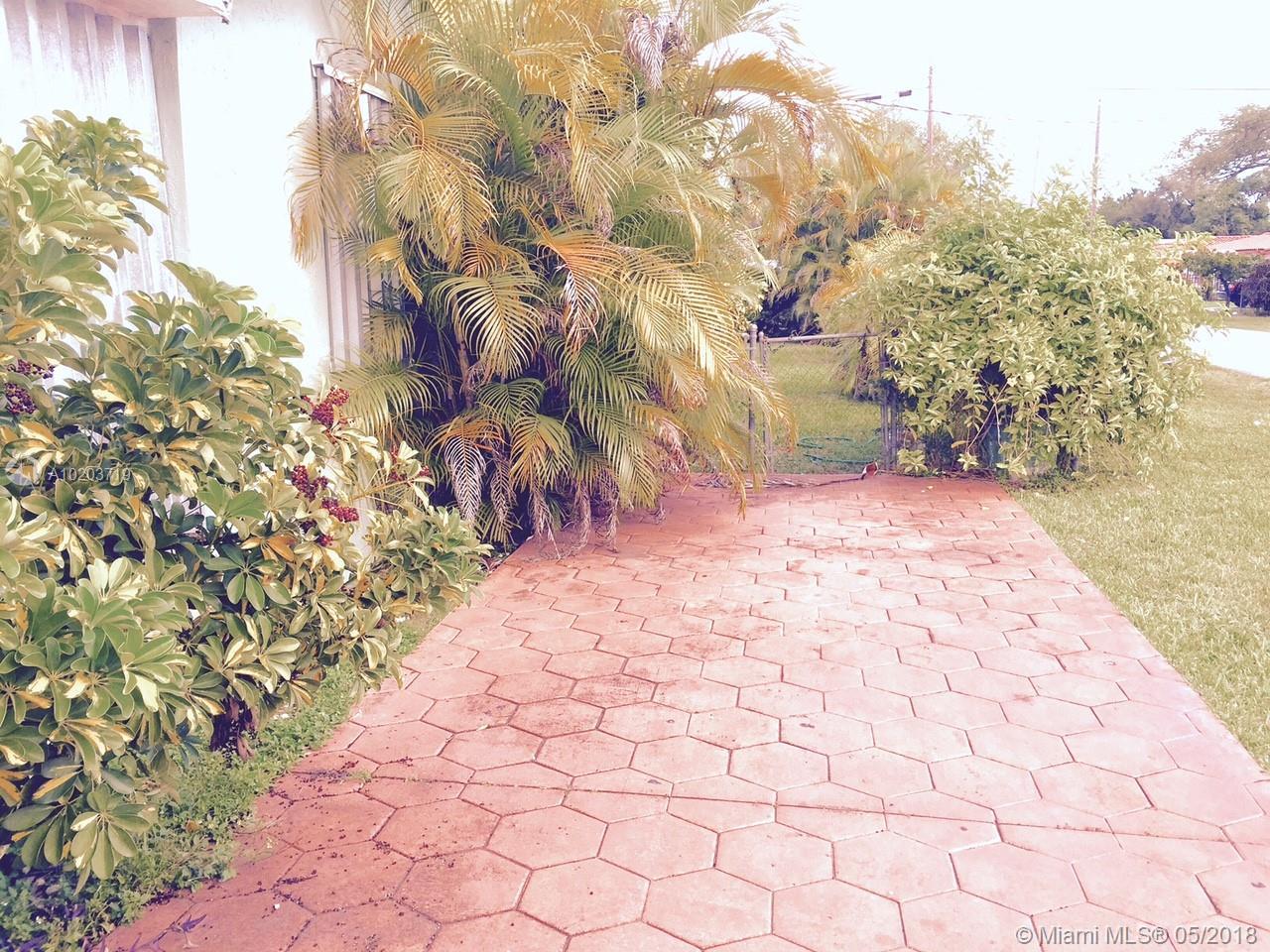 Coral Villas # - 04 - photo