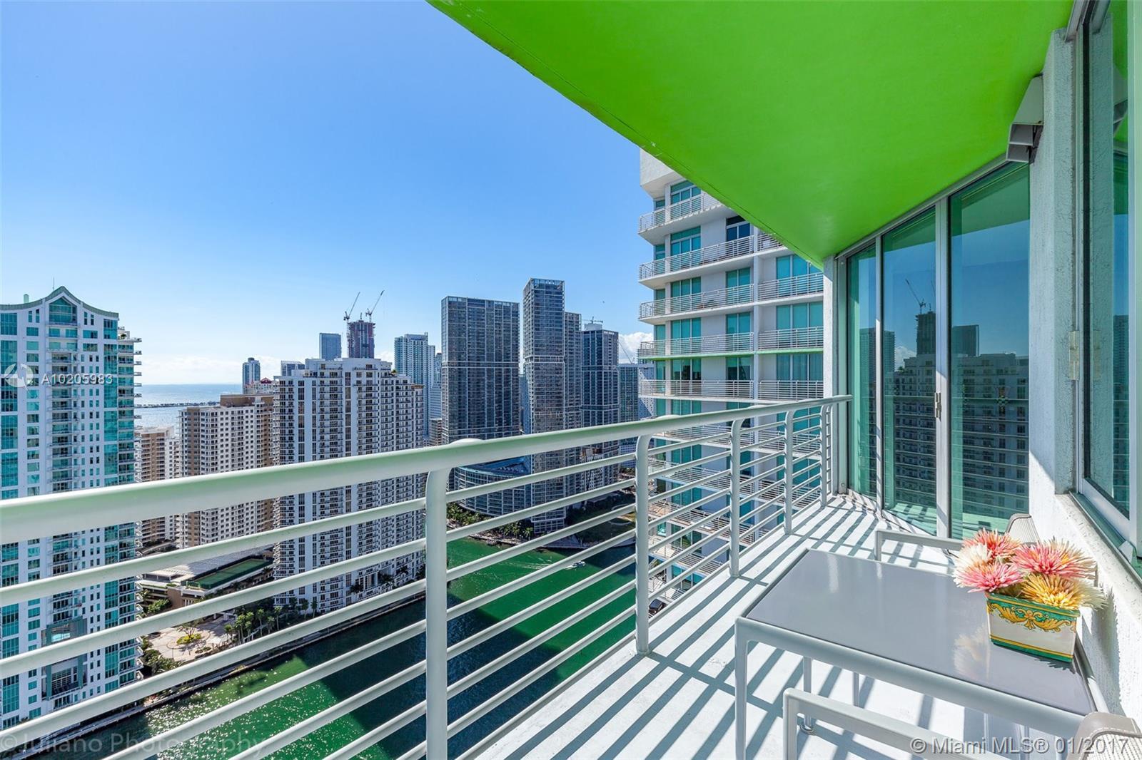One Miami #4103 - 03 - photo