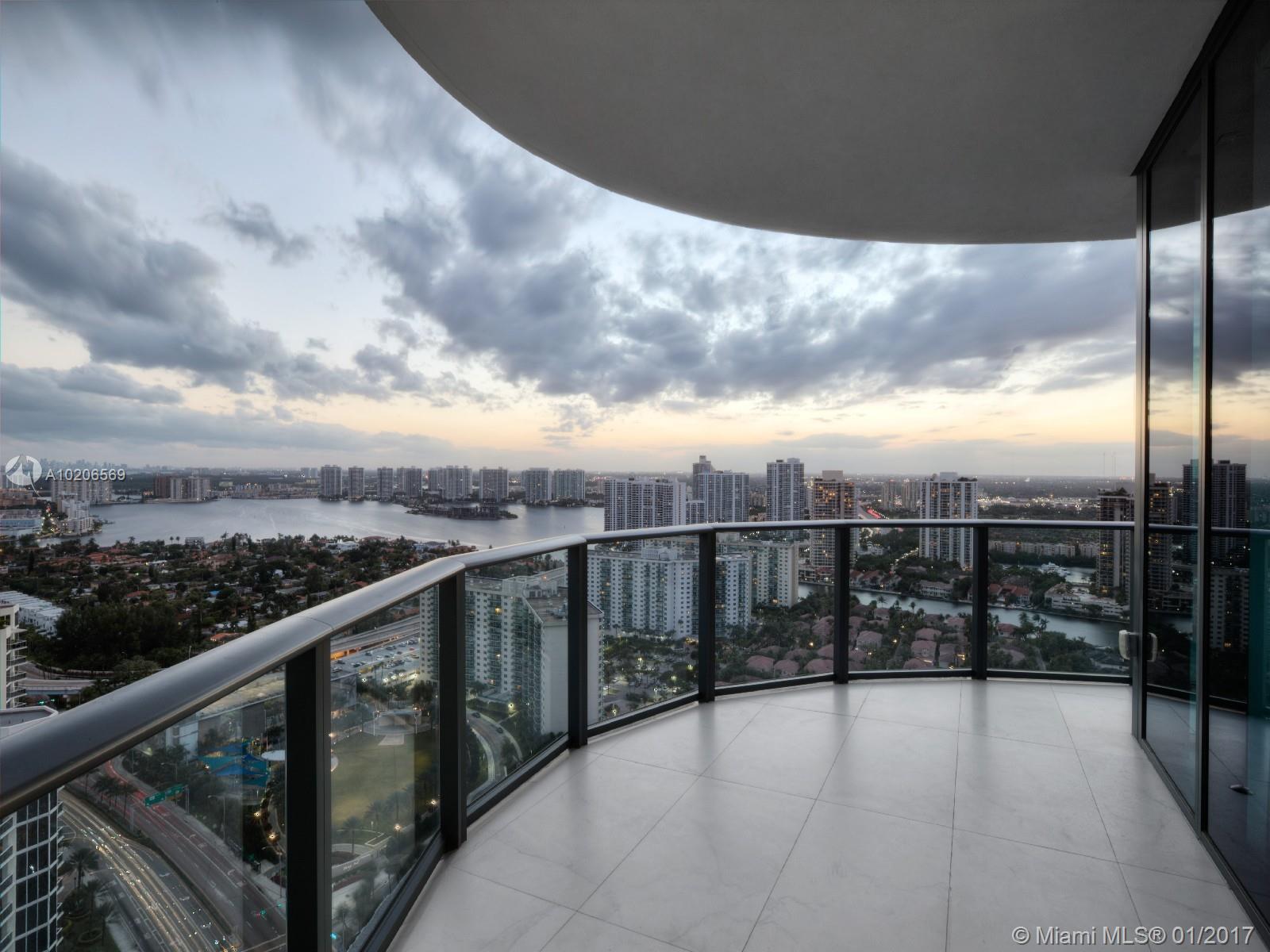Regalia Miami #31 - 21 - photo