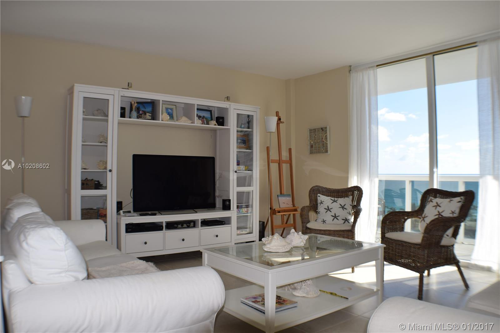 Harbour House #721 - 01 - photo