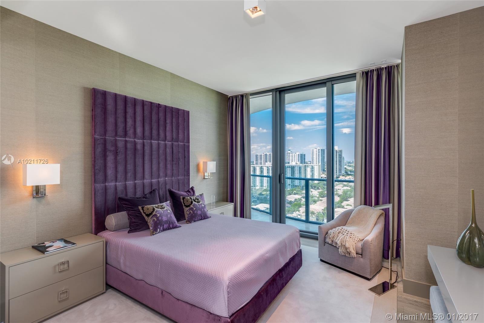 Regalia Miami #18 - 19 - photo