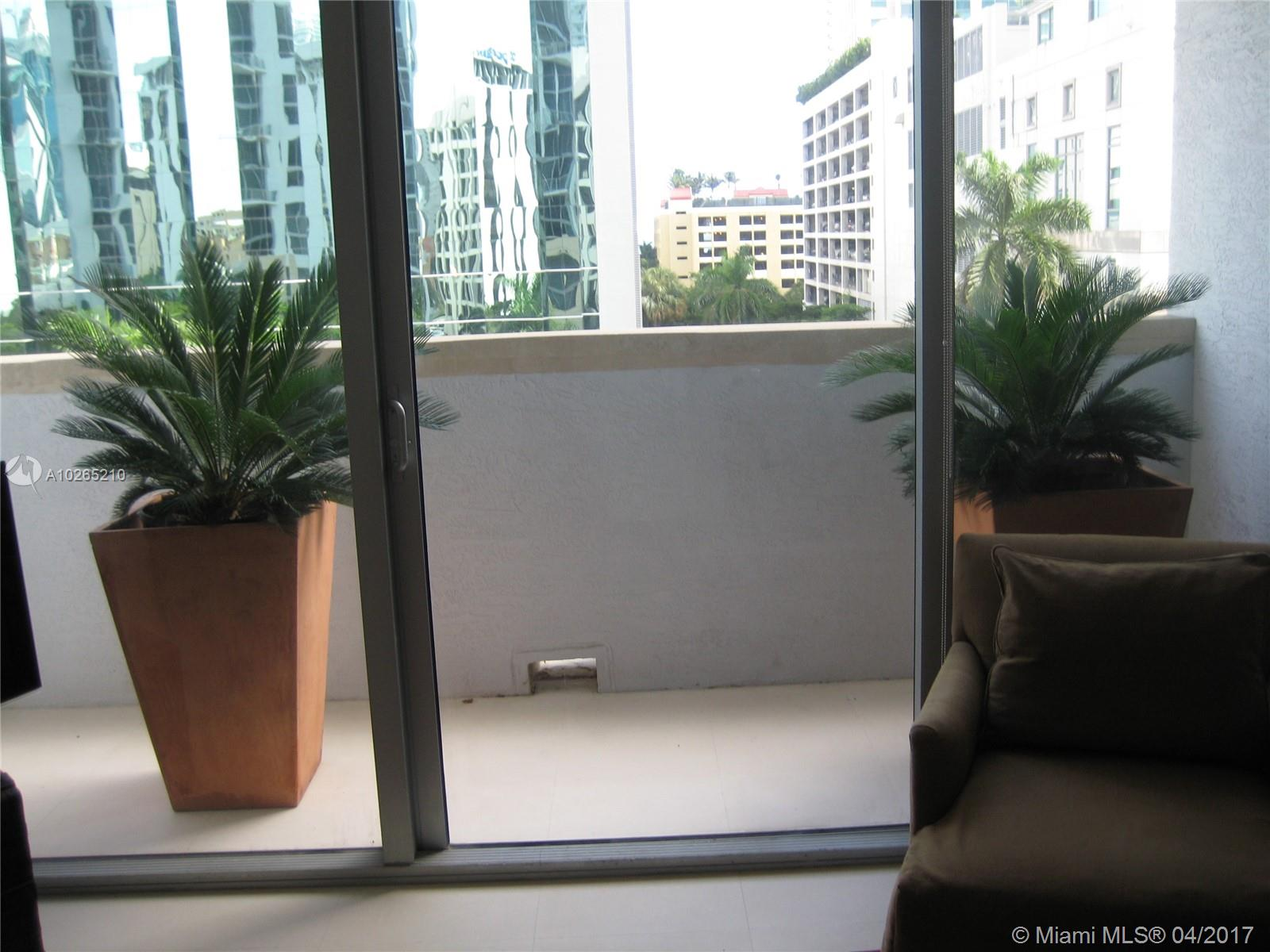 1060 BRICKELL AV #409 photo010