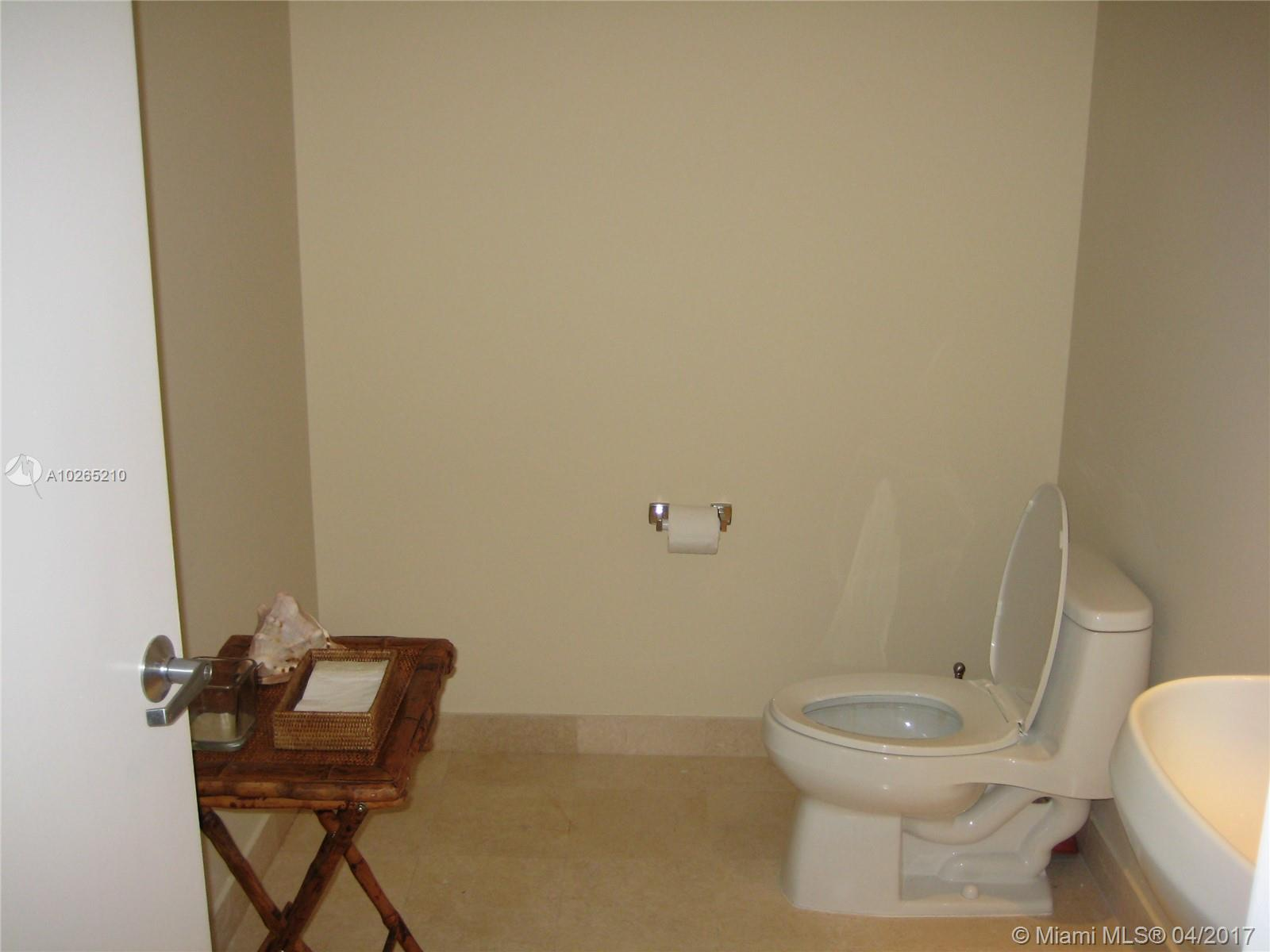 1060 BRICKELL AV #409 photo013