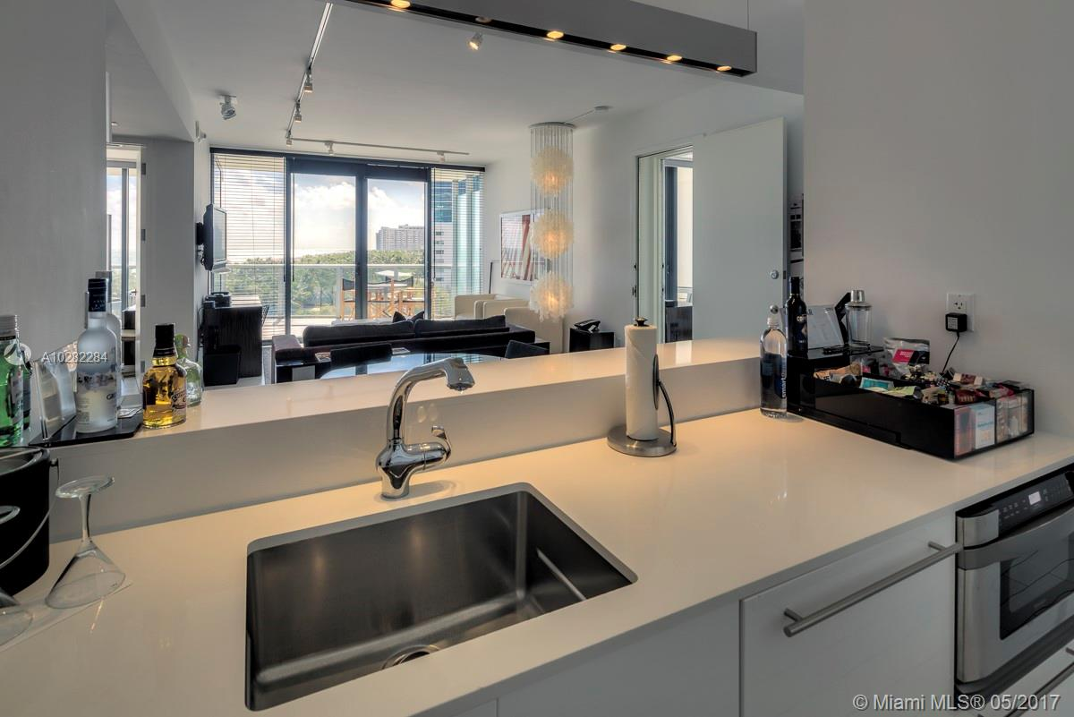 Property 2201 Collins Ave #612-14 image 14