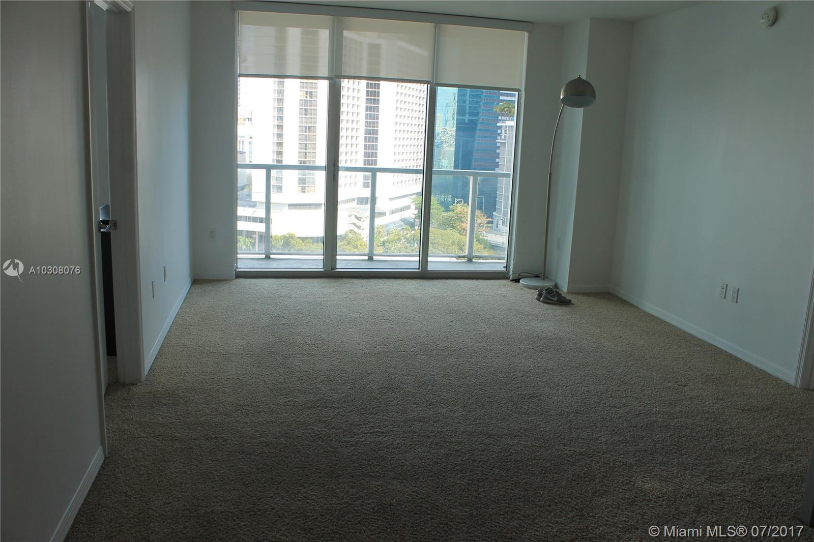 500 Brickell #1403 photo08