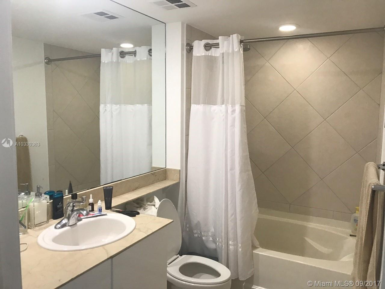 335 S Biscayne Blvd #1600 photo012