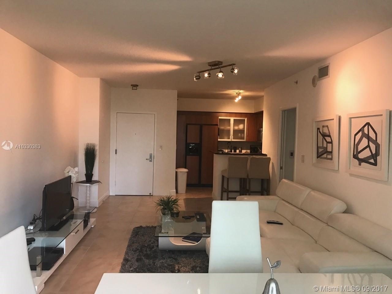 335 S Biscayne Blvd #1600 photo03