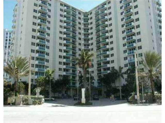 Residences on Hollywood #1605 photo24