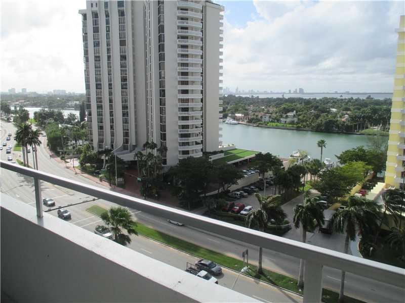 Oceanside Plaza #11V - 03 - photo