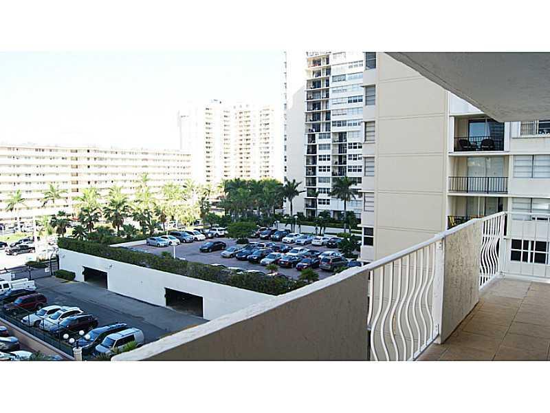 Malaga Towers #6C photo16