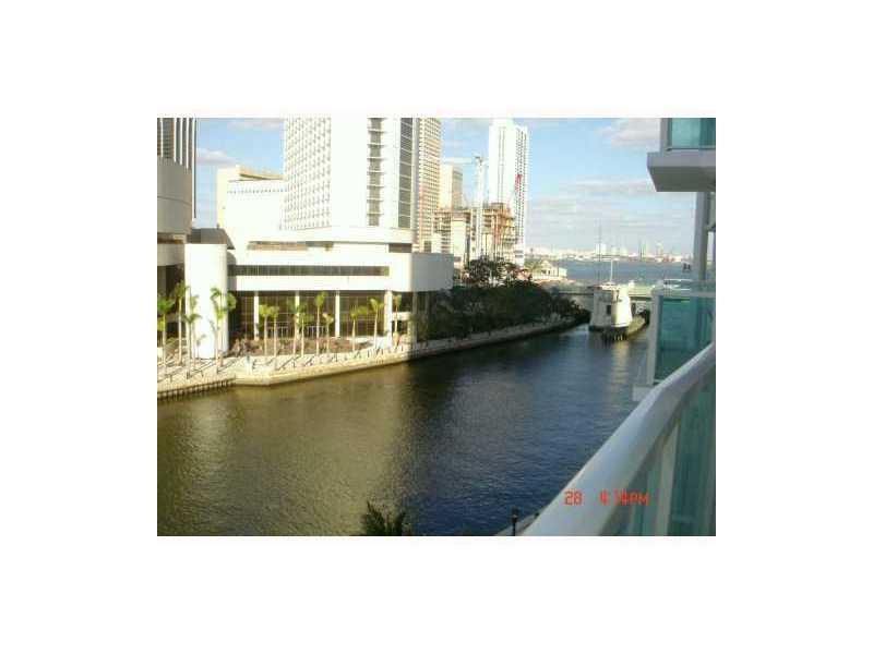 Brickell on the River #802 photo01