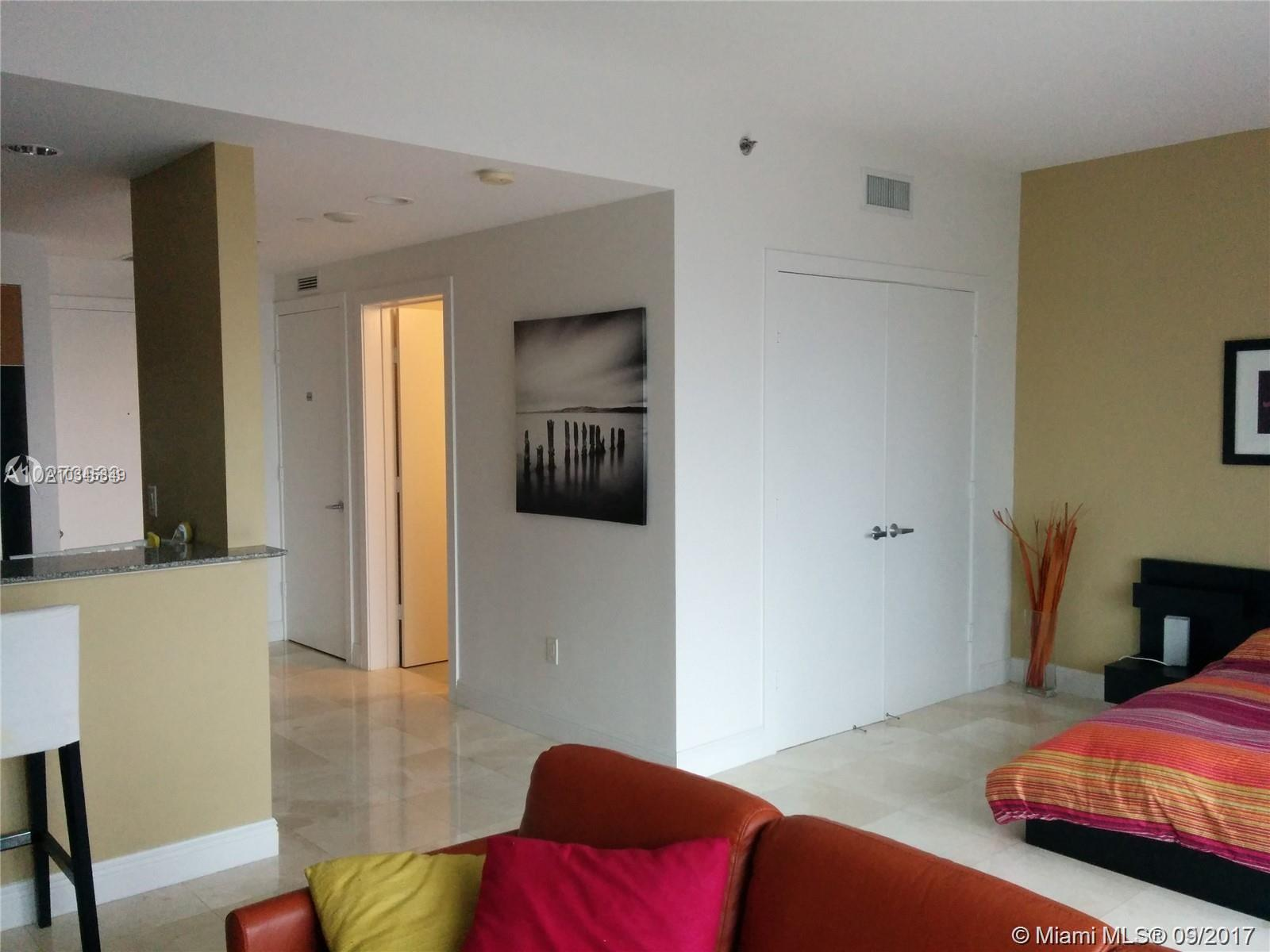 1050 Brickell Ave #3112 photo02
