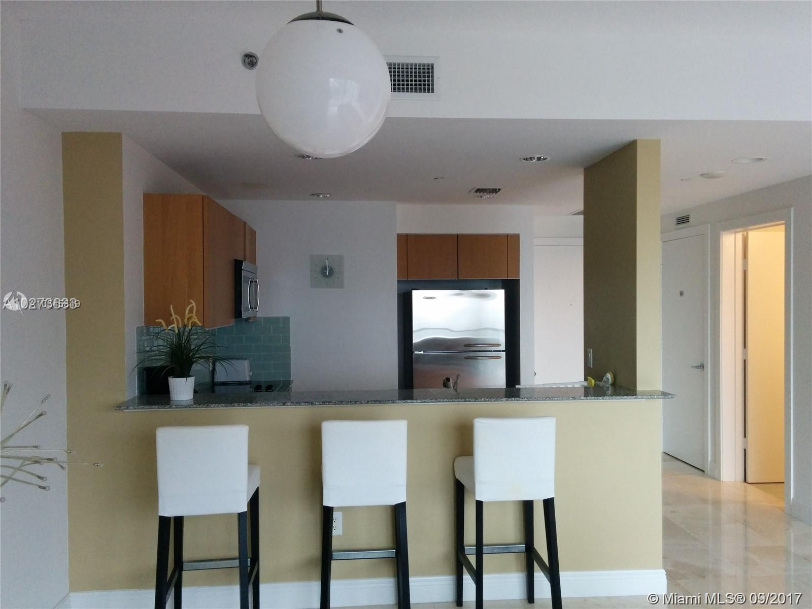 1050 Brickell Ave #3112 photo03