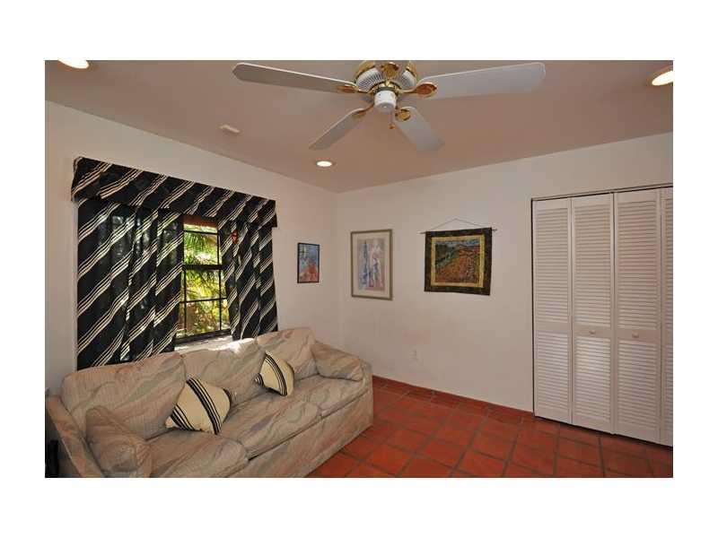 Photo - 2375 NE 214 ST, Miami FL 33180