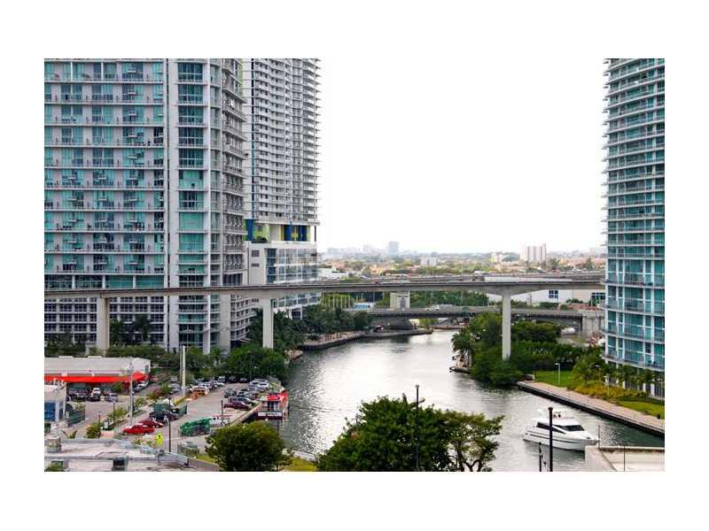 Brickell on the River #716 photo34