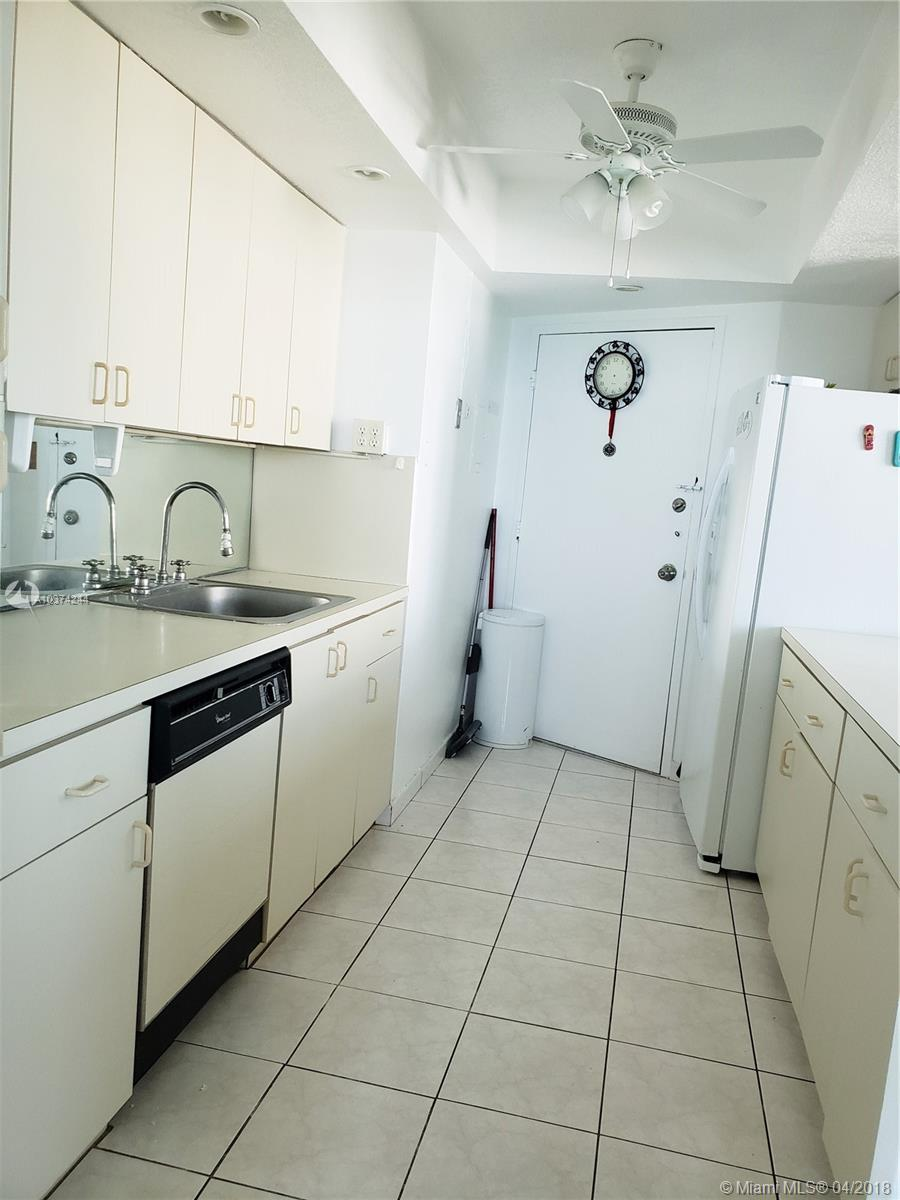 5401 Collins Ave #919 photo010