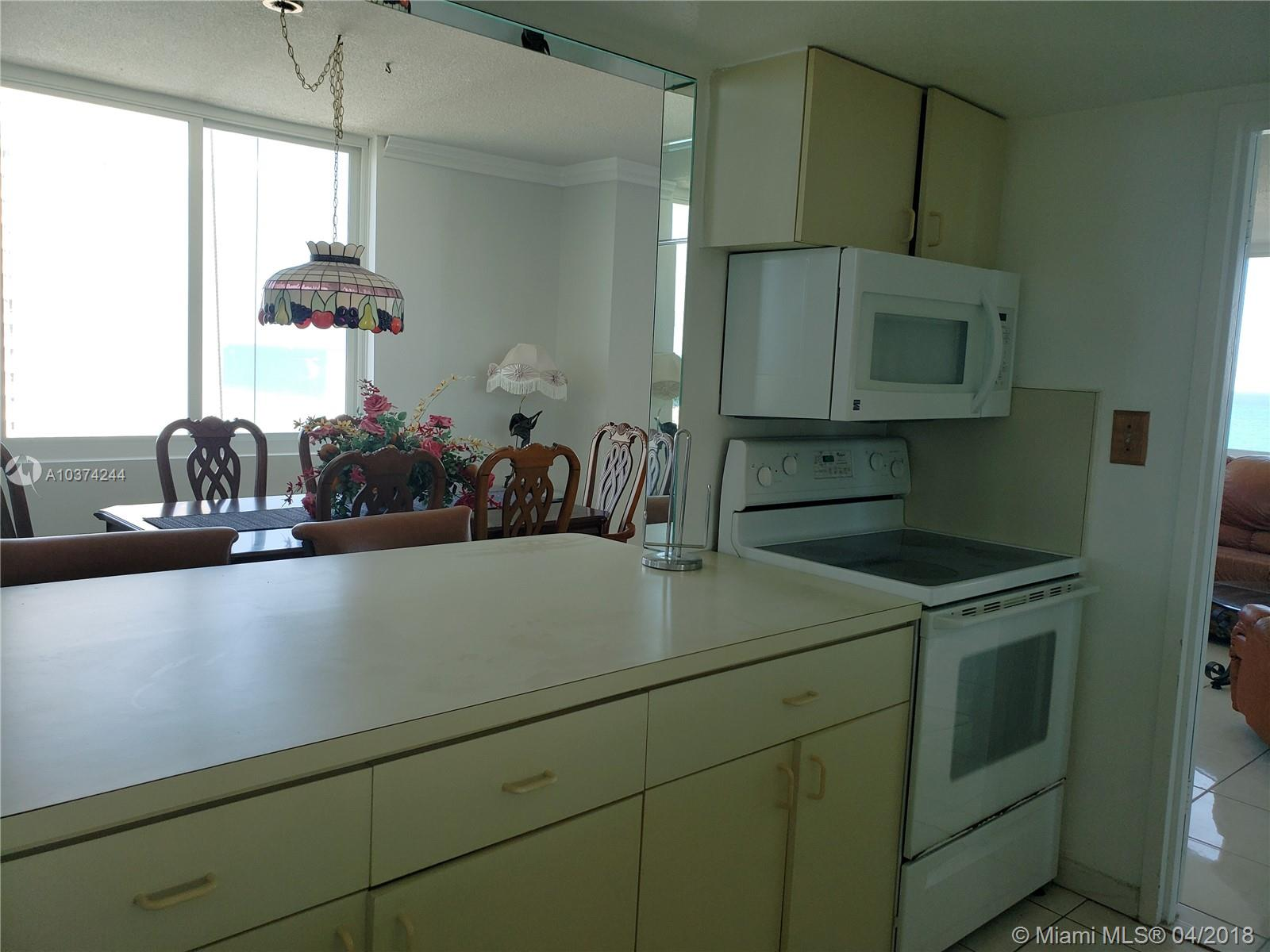 5401 Collins Ave #919 photo011