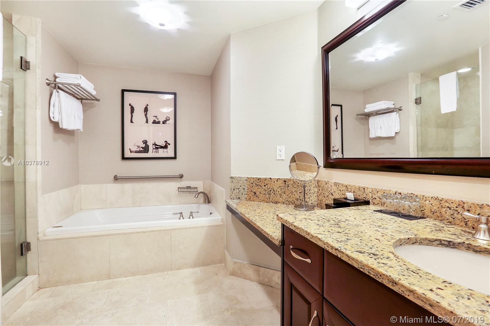 4401 COLLINS AVE #240507 photo014
