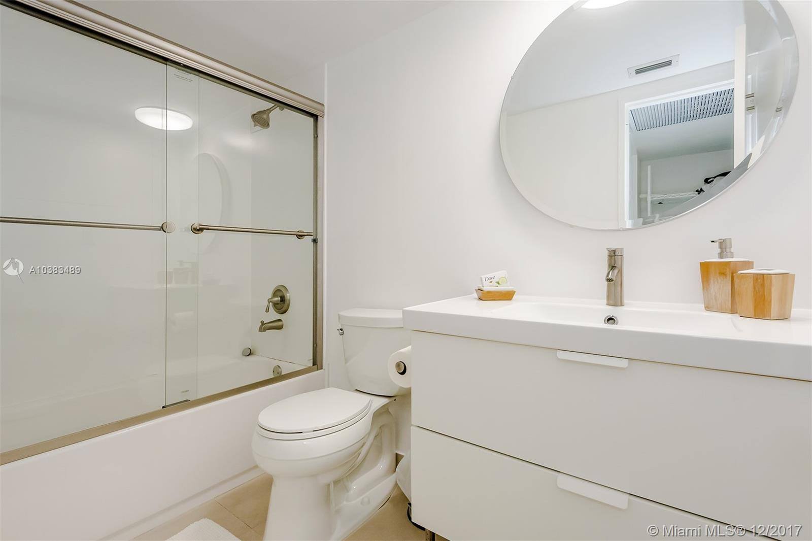 5151 Collins Ave #926 photo025