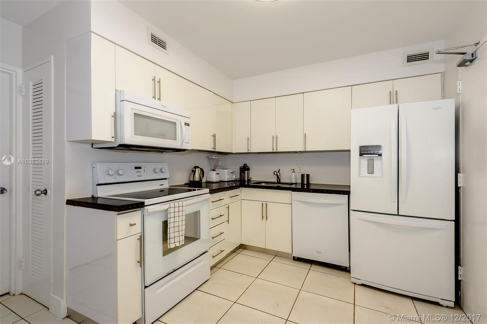 5151 Collins Ave #926 photo09