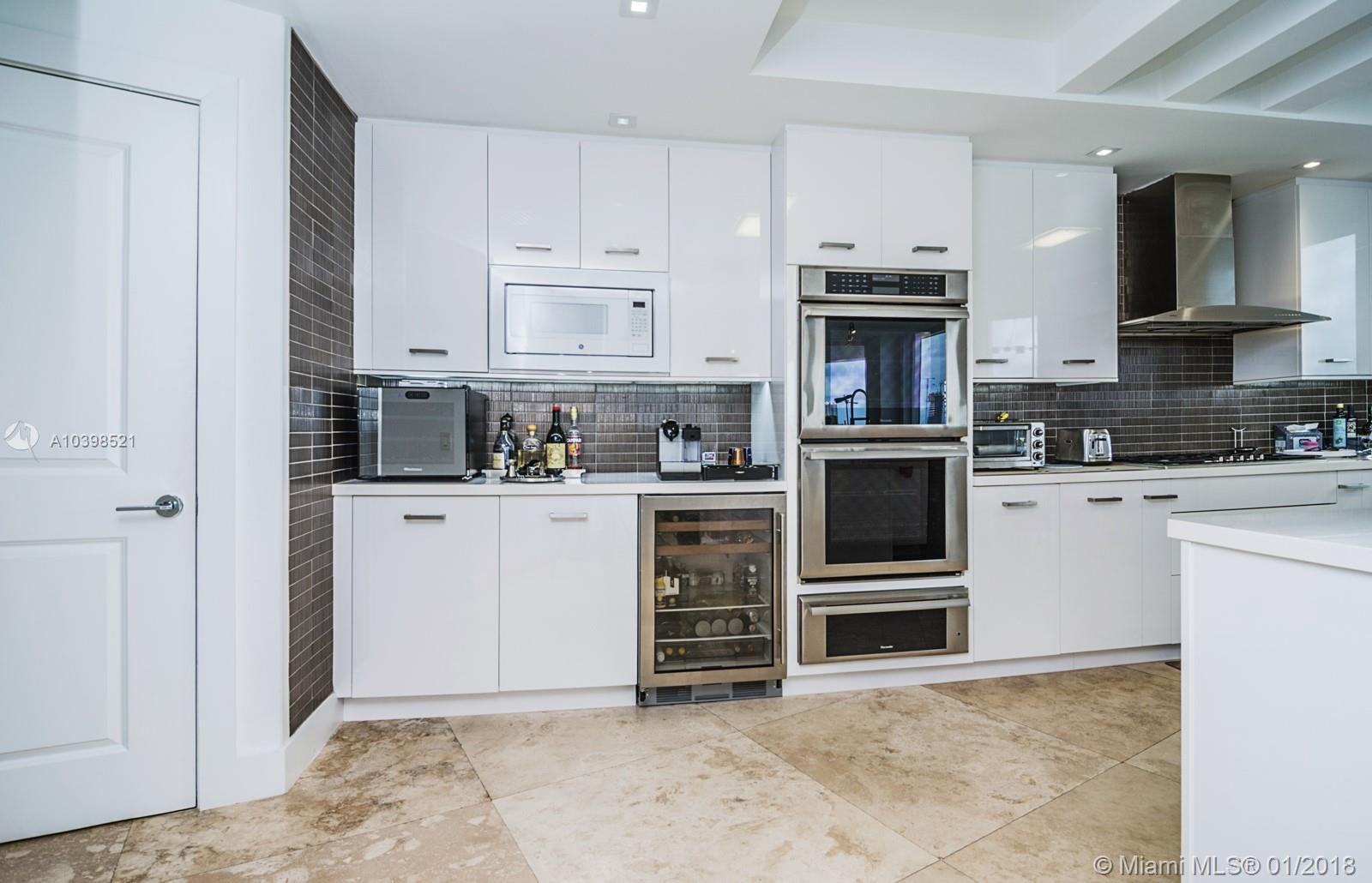 Property 6000 Island Blvd #1001 image 11